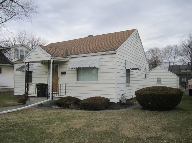 1635 W Indiana Avenue W South Bend, IN 46613-1450 | MLS 202000994 | photo 1