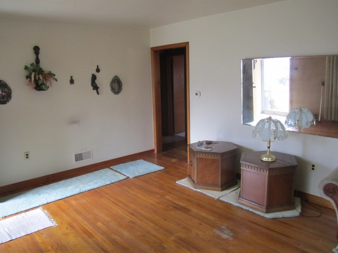 1635 W Indiana Avenue W South Bend, IN 46613-1450 | MLS 202000994 | photo 6