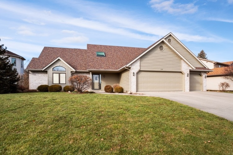1307  Georgetowne Park Drive Fort Wayne, IN 46815-8340 | MLS 202001003