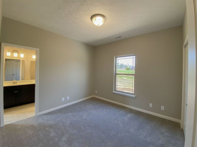 2101 Maple Leaf Drive Kokomo IN 46902 | MLS 202001061 | photo 19