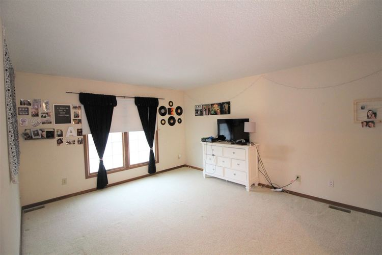 5937 Sawmill Woods Court #29 Fort Wayne, IN 46835 | MLS 202001098 | photo 11