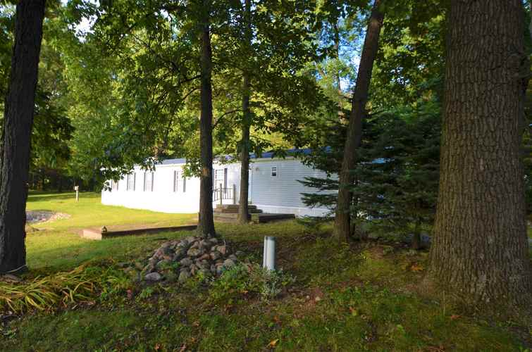 75  Lane 260 West Otter Lake  Angola, IN 46706 | MLS 202001441