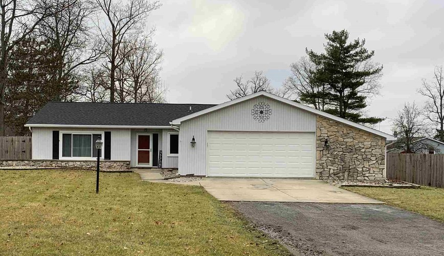 11223  Robinair Drive Fort Wayne, IN 46818 | MLS 202001747