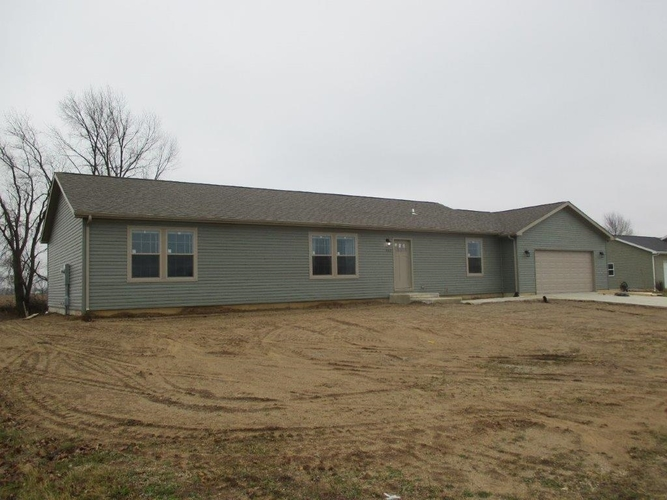 4102  Lighthouse Drive Warsaw, IN 46580 | MLS 202001805