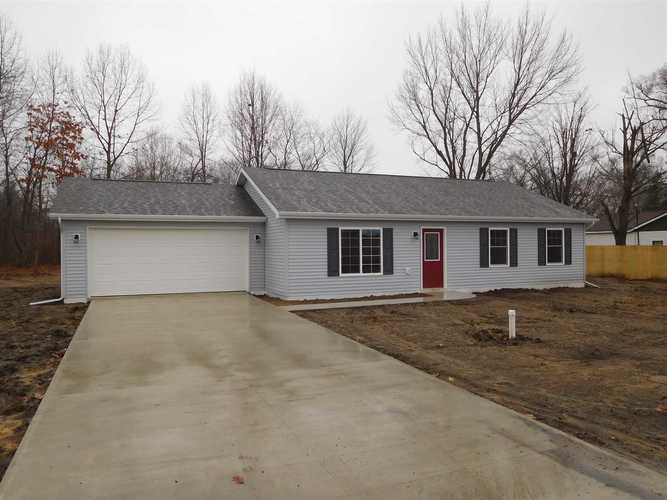 58039  Edgewood Drive Elkhart, IN 46517 | MLS 202001828