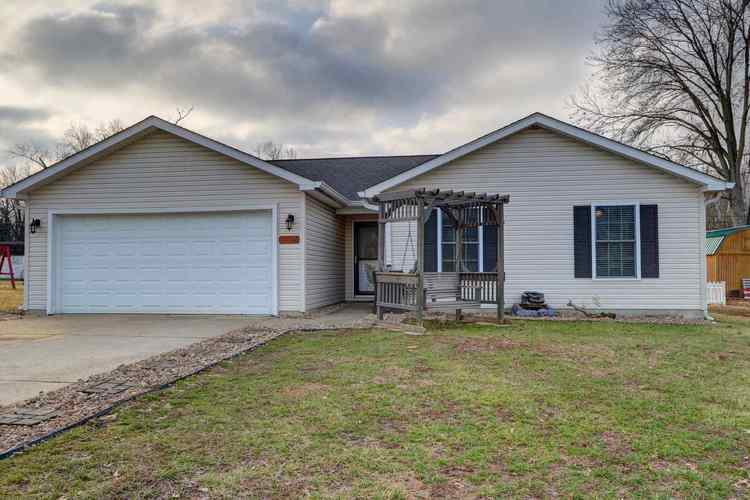 318  Carrie Cove Chandler, IN 47610-9147 | MLS 202001922