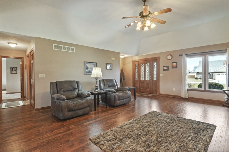 8063 Circling Hawk Drive Russiaville, IN 46979 | MLS 202001993 | photo 6