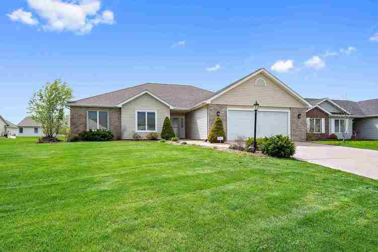 1323 Strong Court Fort Wayne, IN 46818-8444 | MLS 202002284 | photo 1
