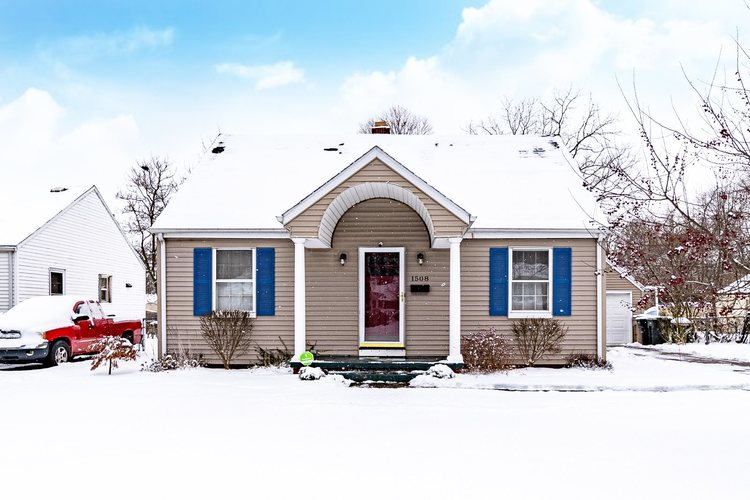 1508  College Street South Bend, IN 46628-3068 | MLS 202002403