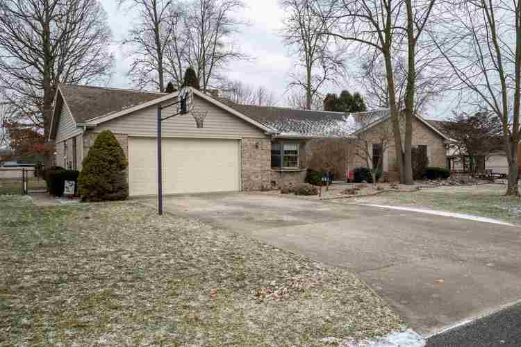 551  MARYLOU Drive Sweetser, IN 46987 | MLS 202002456