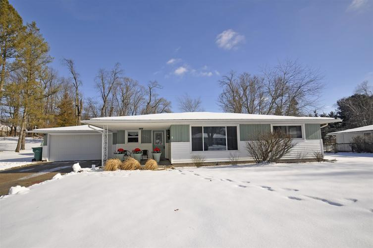 52916 Highland Drive South Bend, IN 46635-1266   MLS 202002742   photo 1