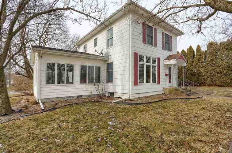 104 S Sycamore Street North Manchester, IN 46962   MLS 202002792