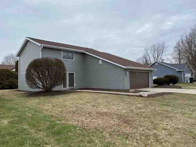 3805 N Lancaster Drive N Muncie, IN 47304 | MLS 202002878 | photo 1