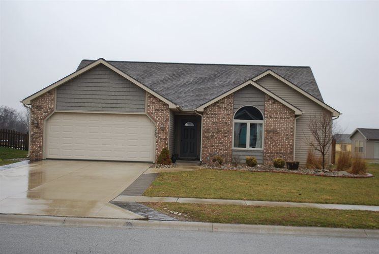 3028 Marguerite Drive Huntertown, IN 46748 | MLS 202002992 | photo 1