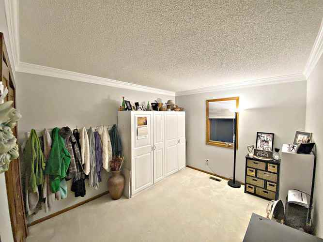 8612 Spring Forest Drive Fort Wayne, IN 46804-6439 | MLS 202003069 | photo 14
