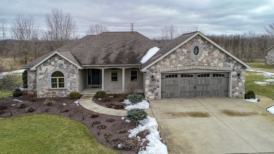 56250 County Road 35 Middlebury, IN 46540 | MLS 202003325 | photo 1