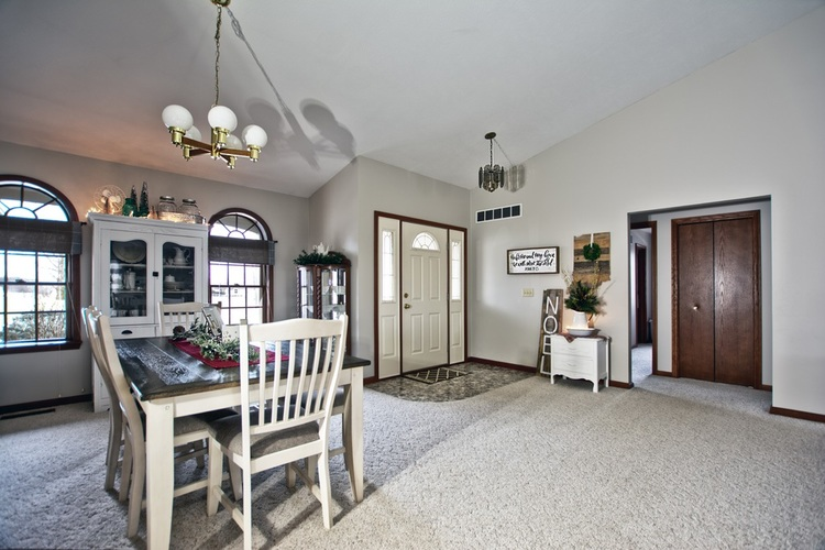 56250 County Road 35 Middlebury, IN 46540 | MLS 202003325 | photo 2