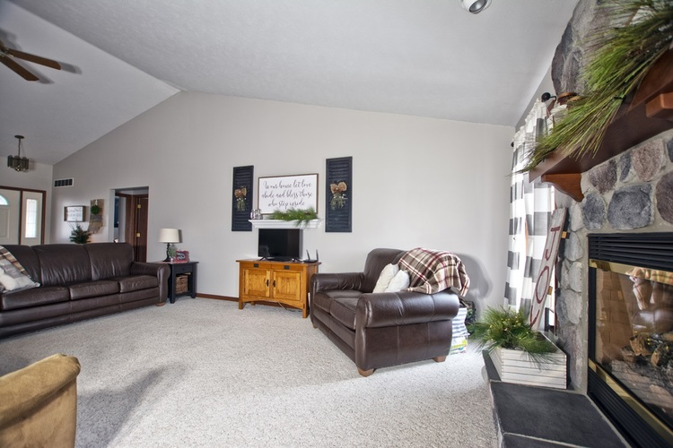 56250 County Road 35 Middlebury, IN 46540 | MLS 202003325 | photo 5
