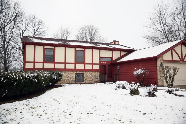 9321 Soaring Hill Place Fort Wayne IN 46804-4822 | MLS 202004053 | photo 1