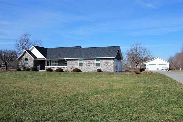 5015 W Oak Ridge Drive Jasper, IN 47546 | MLS 202004118