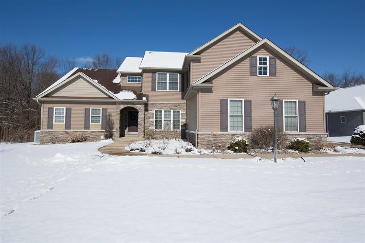 18255 Forest Glade Drive South Bend IN 46637   MLS 202005110   photo 1