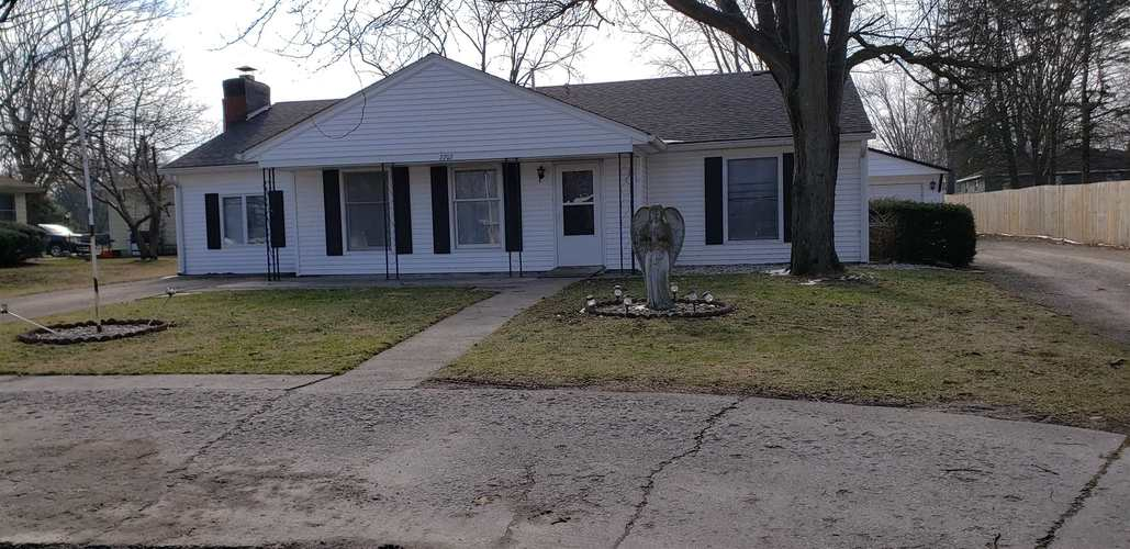 2707 W BOULEVARD Street W Kokomo, IN 46902 | MLS 202005273 | photo 1