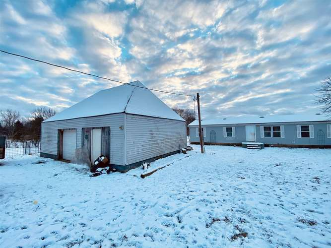 2940 State Road 327 Corunna IN 46730 | MLS 202005493 | photo 1