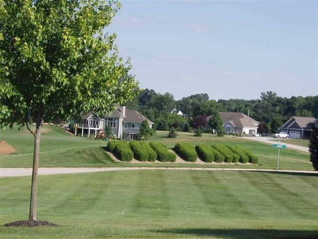 11339 Fishers Pond Middlebury, IN 46540 | MLS 202006002 | photo 2