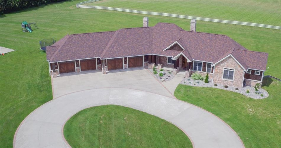 64399  County 3 Road Wakarusa, IN 46573-9782   MLS 202006321