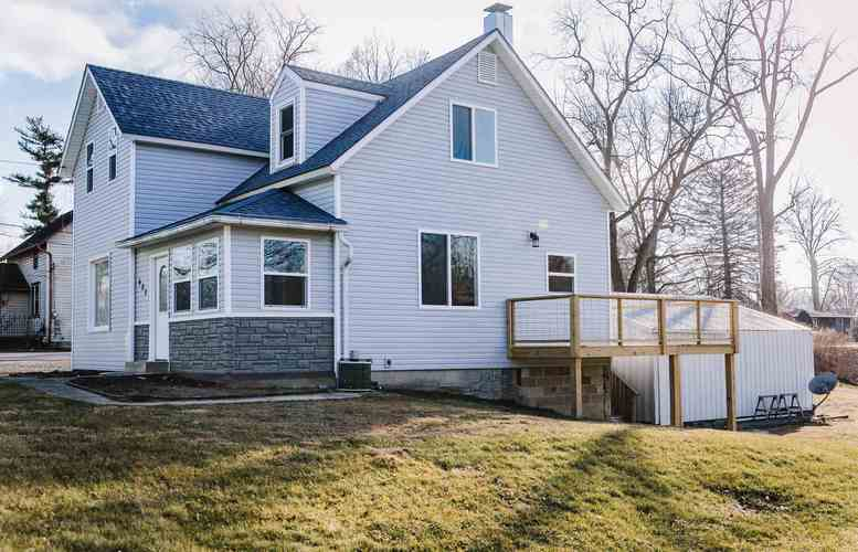 605 S State Street S South Whitley, IN 46787-1415 | MLS 202006758 | photo 1