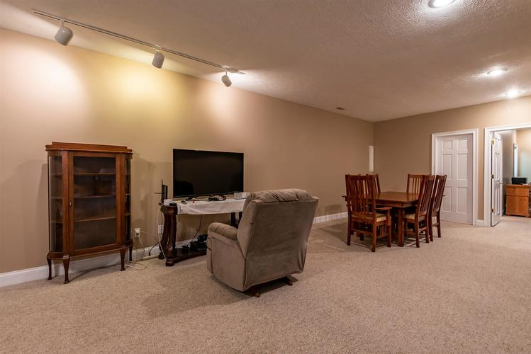 9940 S Valley Mission Road Bedford IN 47421-9667 | MLS 202007077 | photo 24