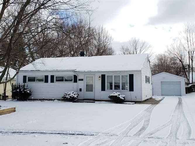 4028 Woodvale Drive South Bend IN 46614 | MLS 202007427 | photo 1