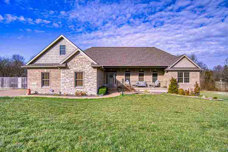 5661  ST CHARLES Drive Mount Vernon, IN 47620 | MLS 202007665