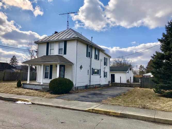 108 N Cherry Street Lynn IN 47355   MLS 202008108   photo 1