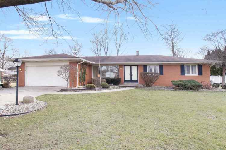 1372 Berkshire Drive South Bend IN 46614-6050 | MLS 202008116 | photo 1