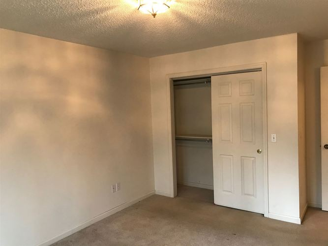 4315 Octagon Square Fort Wayne IN 46804-2213 | MLS 202008532 | photo 17