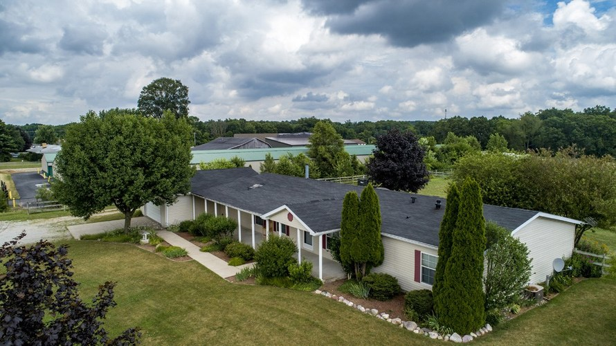 53130 State Road 13 Middlebury IN 46540 | MLS 202008941 | photo 1