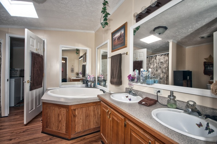 53130 State Road 13 Middlebury IN 46540 | MLS 202008941 | photo 23