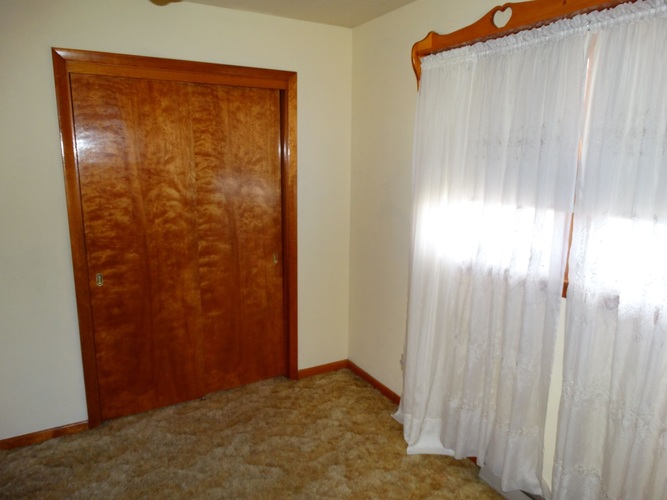 825 N Highland Avenue Oakland City IN 47660   MLS 202009189   photo 7