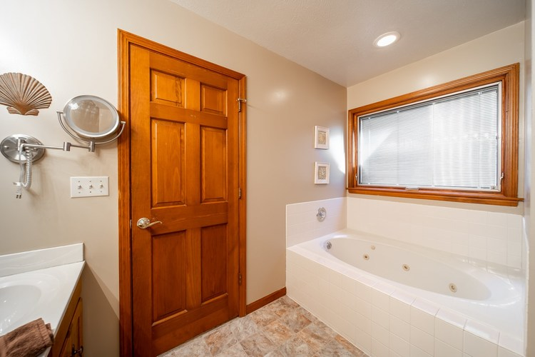 10021 Shadow Wood Drive Granger, IN 46530 | MLS 202009630 | photo 21