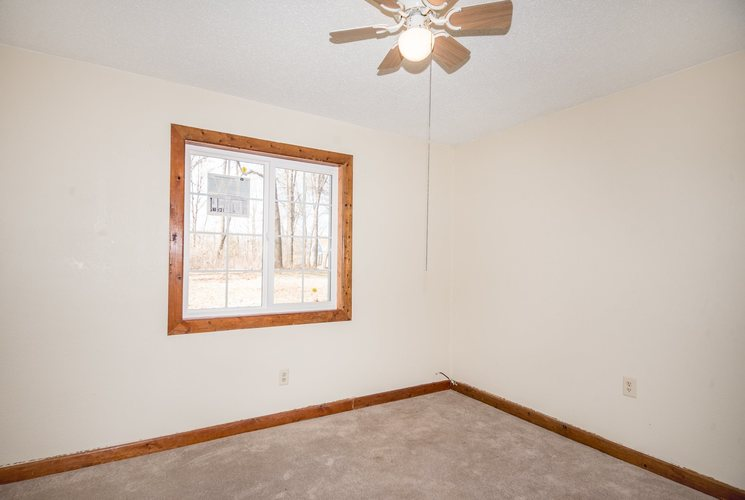 2592 S Lakeside Drive Albion IN 46701 | MLS 202009669 | photo 7