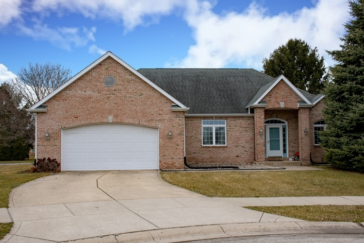 1390 Stone Court South Bend IN 46614   MLS 202009719   photo 1