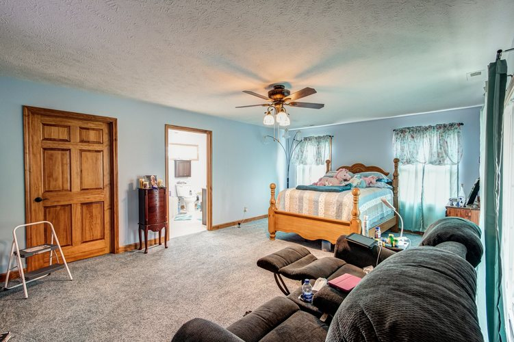 12478 E 100  South Road E Oakland City, IN 47660 | MLS 202009767 | photo 17