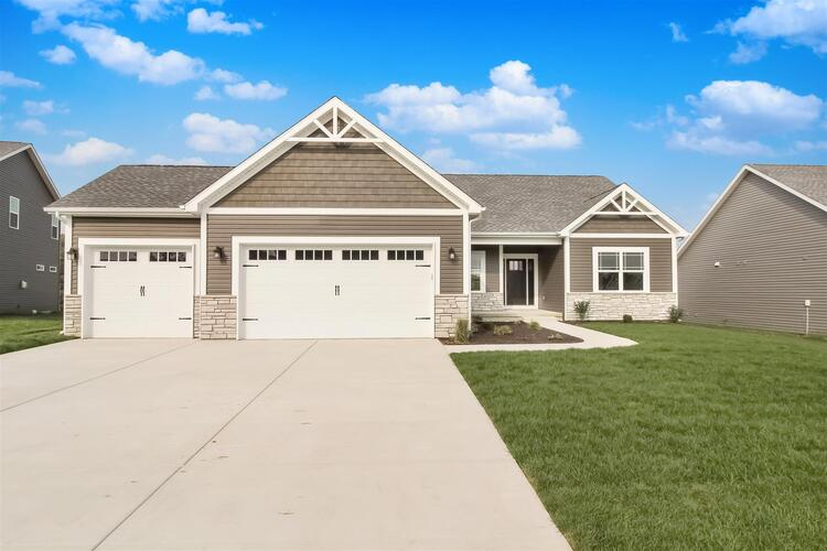 1192  CHESAPEAKE POINTE DR Common Lafayette, IN 47909 | MLS 202009823
