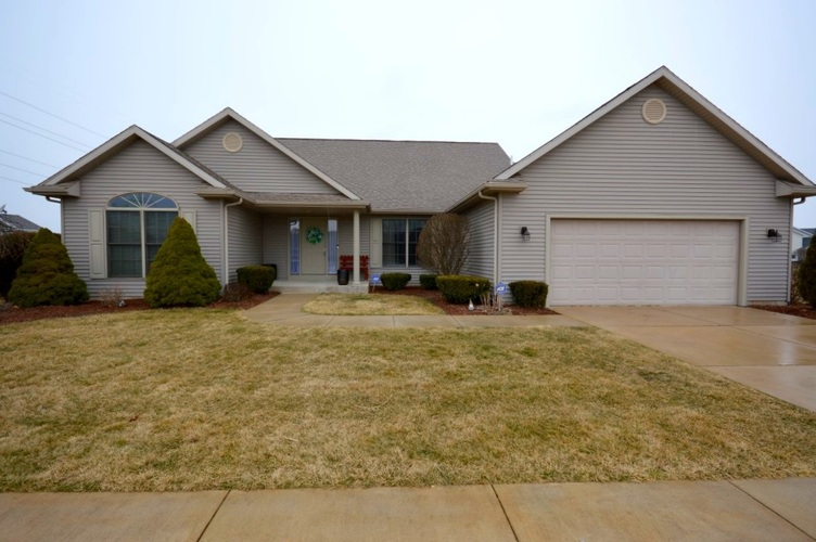 13849 Old Colony Drive Granger, IN 46530-4737 | MLS 202009964 | photo 1