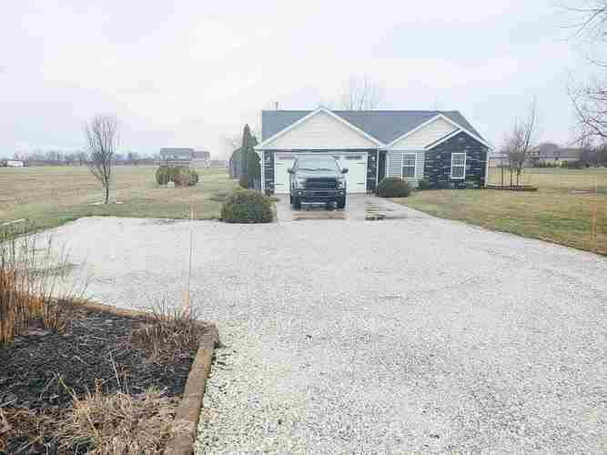 1834 N County Line Road N Lafayette, IN 47905-7546 | MLS 202010215 | photo 2