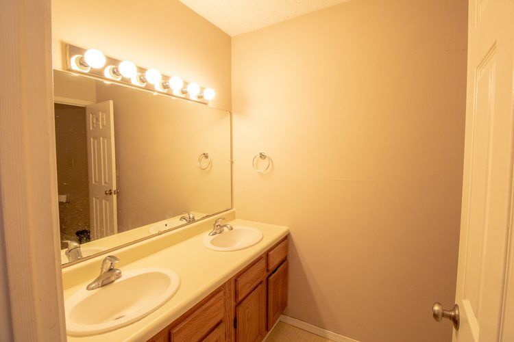 1202 S College Mall Road Bloomington IN 47401 | MLS 202010287 | photo 11