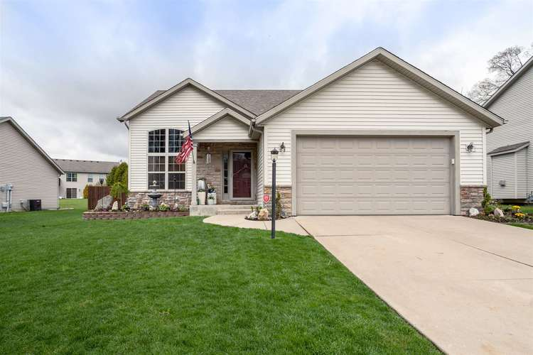 53181 Grassy Knoll Drive South Bend IN 46628-9145 | MLS 202010397 | photo 1