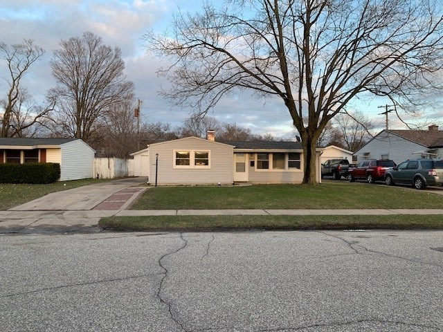 1242 Manchester Drive South Bend, IN 46615 | MLS 202010824 | photo 1