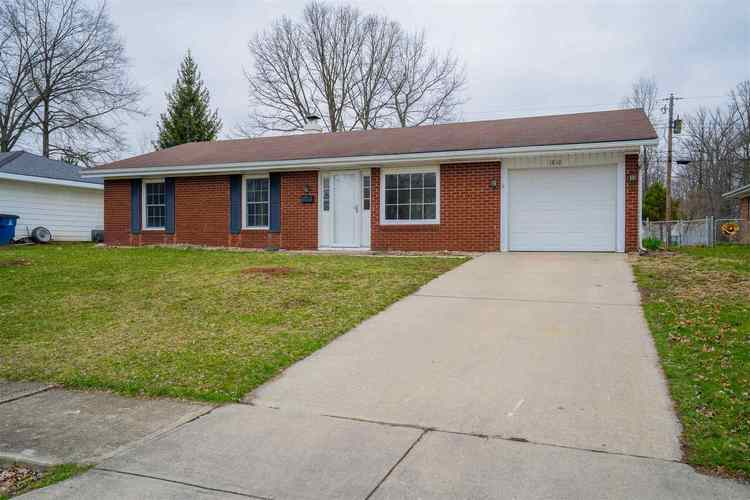 1810 W WILNO Drive Marion IN 46952 | MLS 202010838 | photo 1